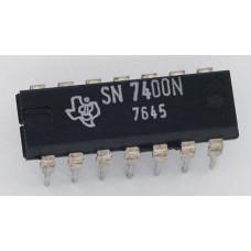 Logic IC 7400